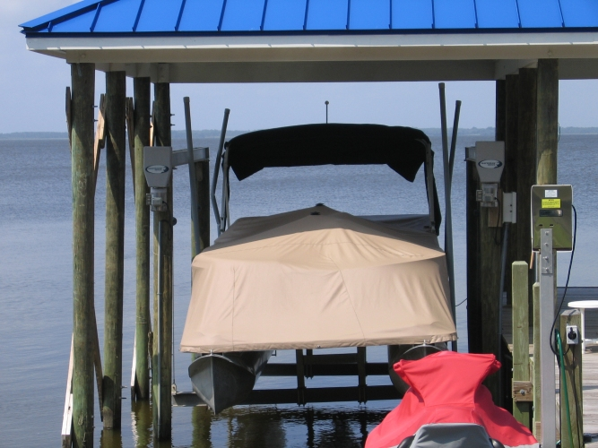 Watkins Custom Sewing Outer Banks NC Custom Fit Marine Canvas Boat Covers trailer storage slip-on snap-on mooring bow well cockpit T-Top hardtop sunshade console helm seat covers